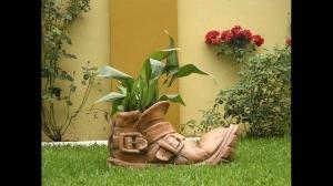 Jardín con decoración cerámica